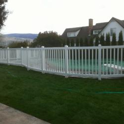 vinyl-fencing-2